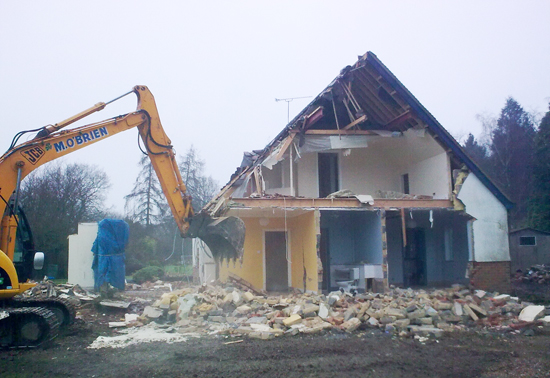Old-house-demolished