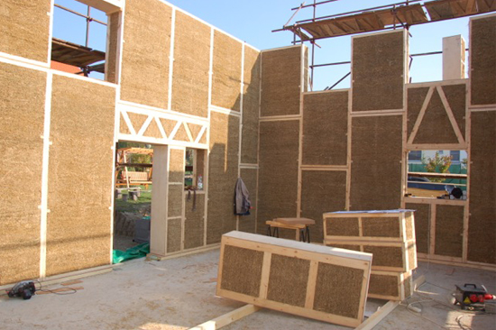 Natural Building Materials : Achieving passivhaus standard with natural materials