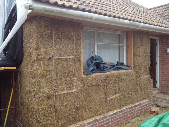 insulating-with-straw-bales