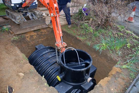 installing-a-rainwater-harvesting-tank