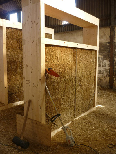 Lilac-straw-panel