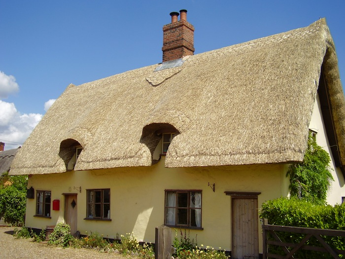 HPH160 : Is a thatched roof appropriate for a new build home? – with Stephen Letch - House Planning Help
